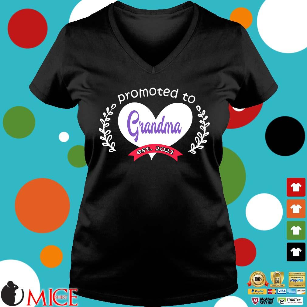 Heart promoted to grandma est 2021 s Ladies V-Neck