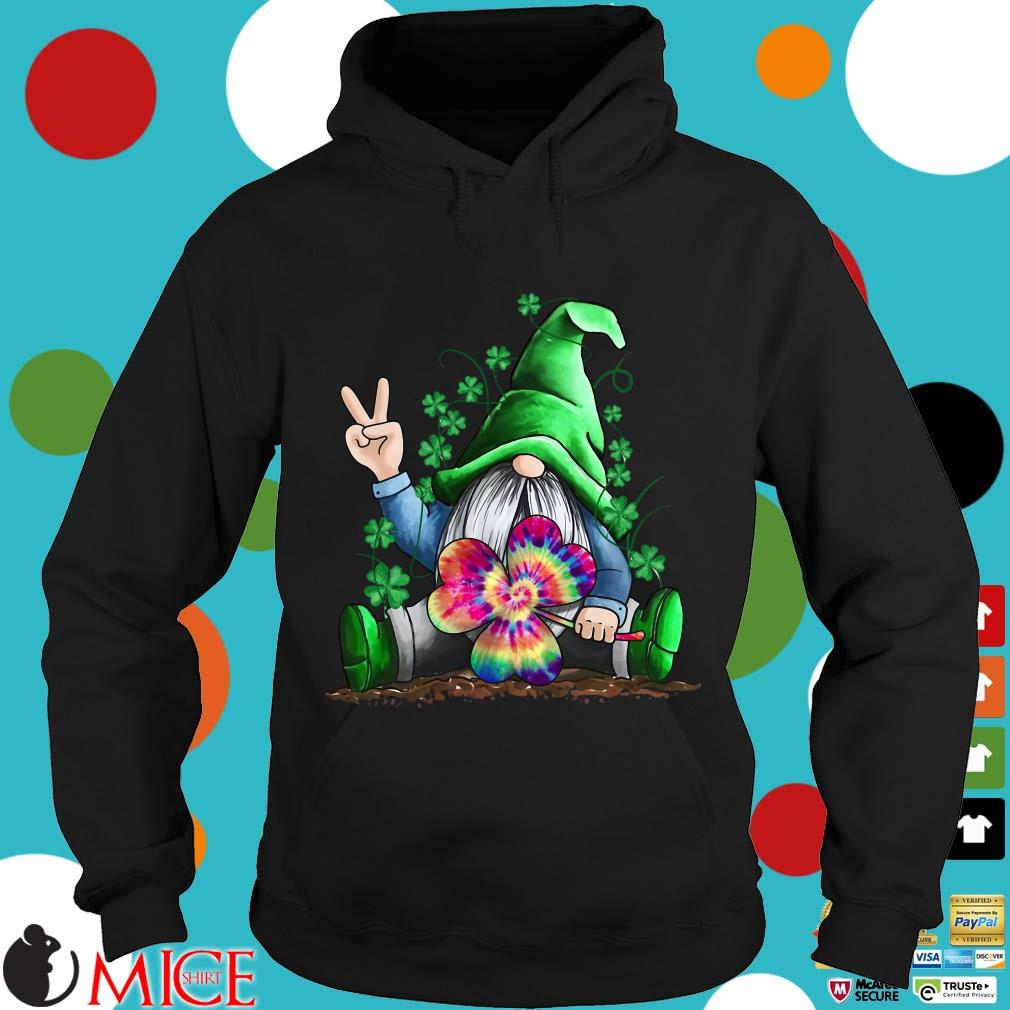 Snome hold shamrock color St. Patrick's Day Hoodie