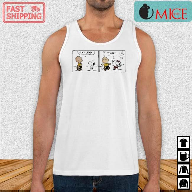 Snoopy And Charlie Brown Play Dead Truckin Shirt Tank top trang
