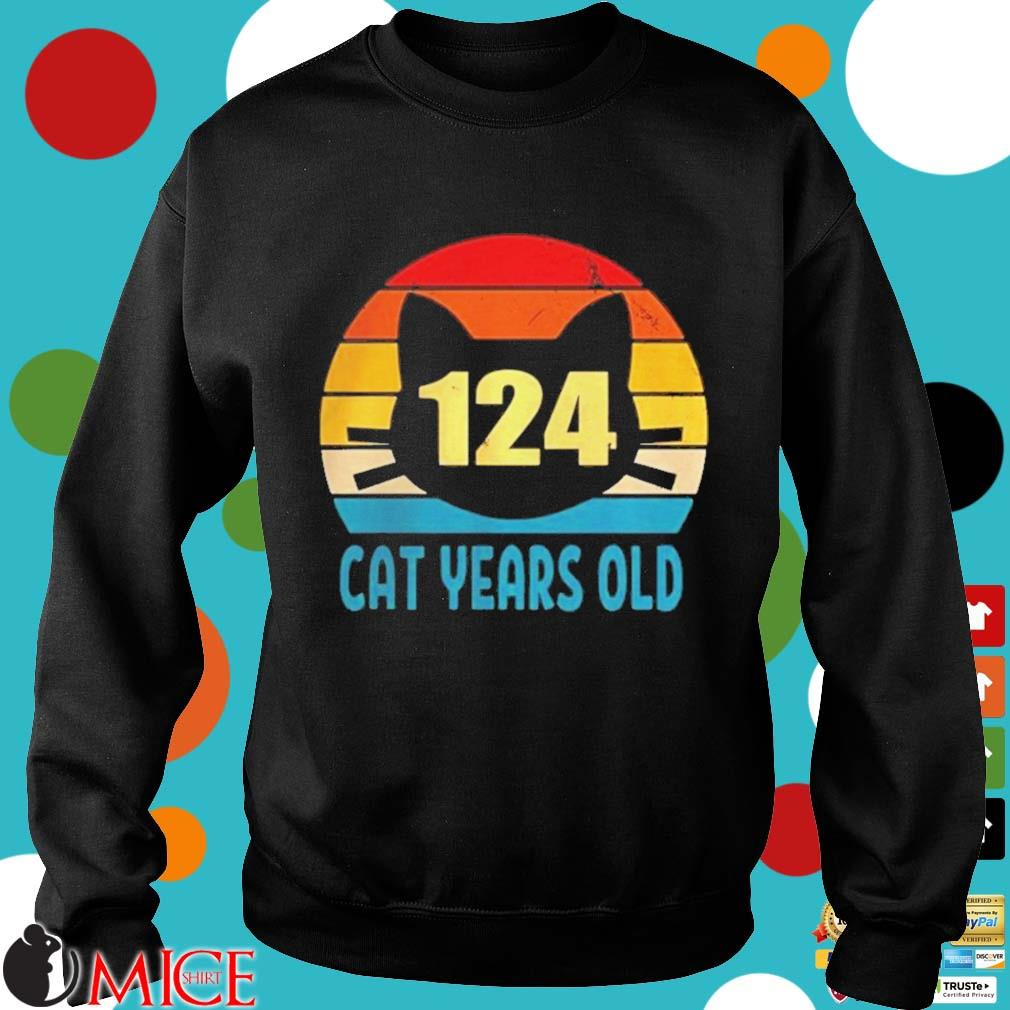 124 cat years old vintage s d Sweater